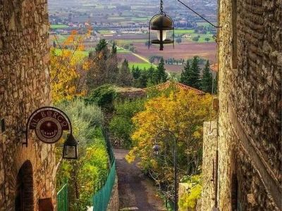 Streets inside the town of Assisi