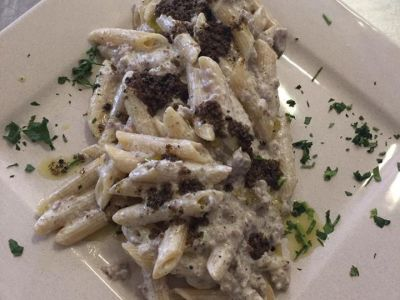 Traditional pasta with truffles