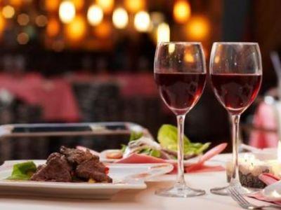 Neapolitan Dinner at Mola Rooms