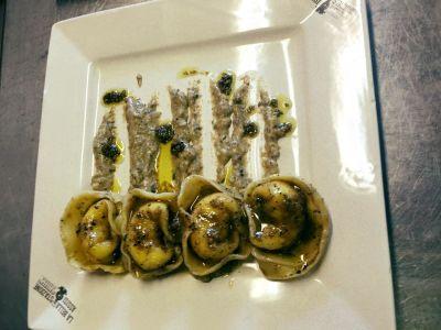 Capelacci and black truffles