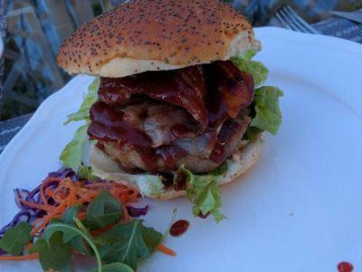Selected meat alternative Hamburger