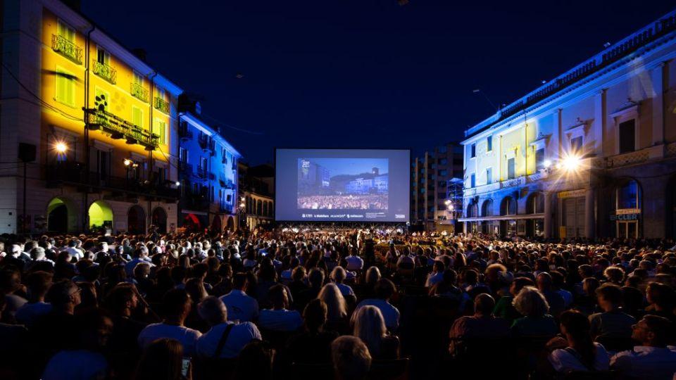 Mission accomplished: die Pizza in Locarno beim abendlichen Screening (2021 Locarno Film Festival)