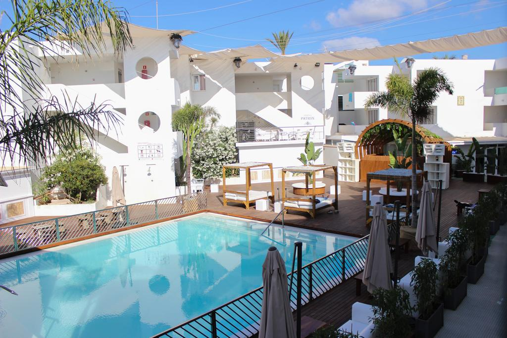 Cool modern apartments for party animals, PLAYA DEN BOSSA – Property Code: RBABOPLA