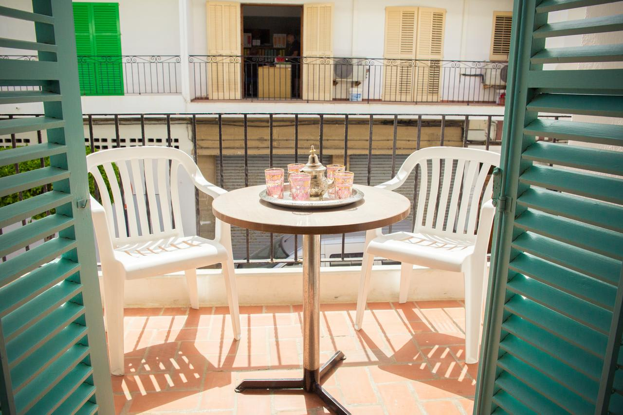 Cozy holiday rooms in San Antonio with swimming pool close to the beach, SAN ANTONIO – Property Code: HST-SNTSANA