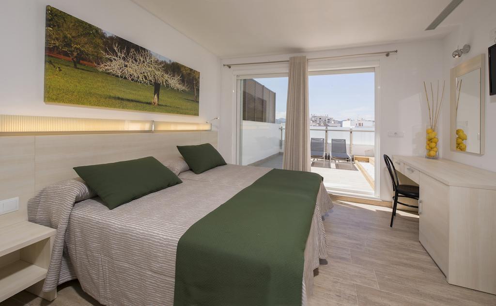 Modern design hostel in the heart of the city, SAN ANTONIO – Property Code: HST-MRAISAN