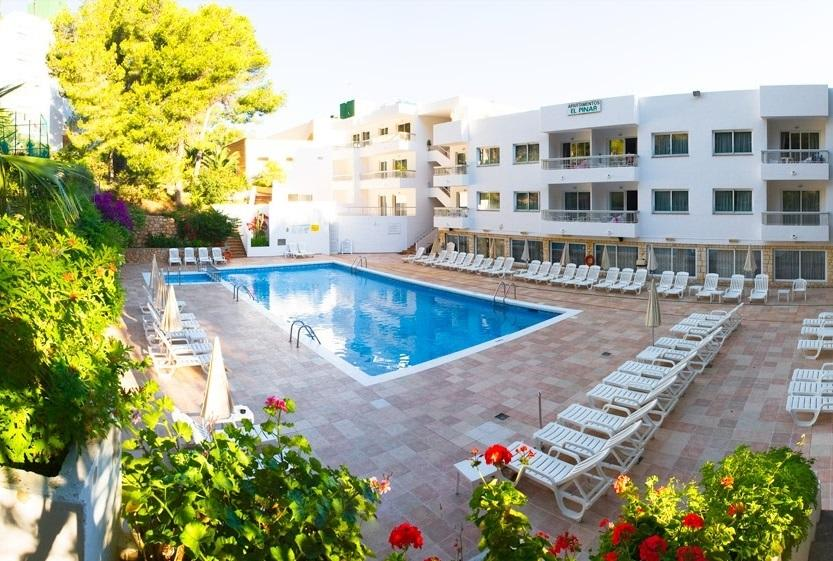 [1 BEDROOM APARTMENT SEA VIEW (4 GUESTS)] Large comfortable holiday apartment with pool