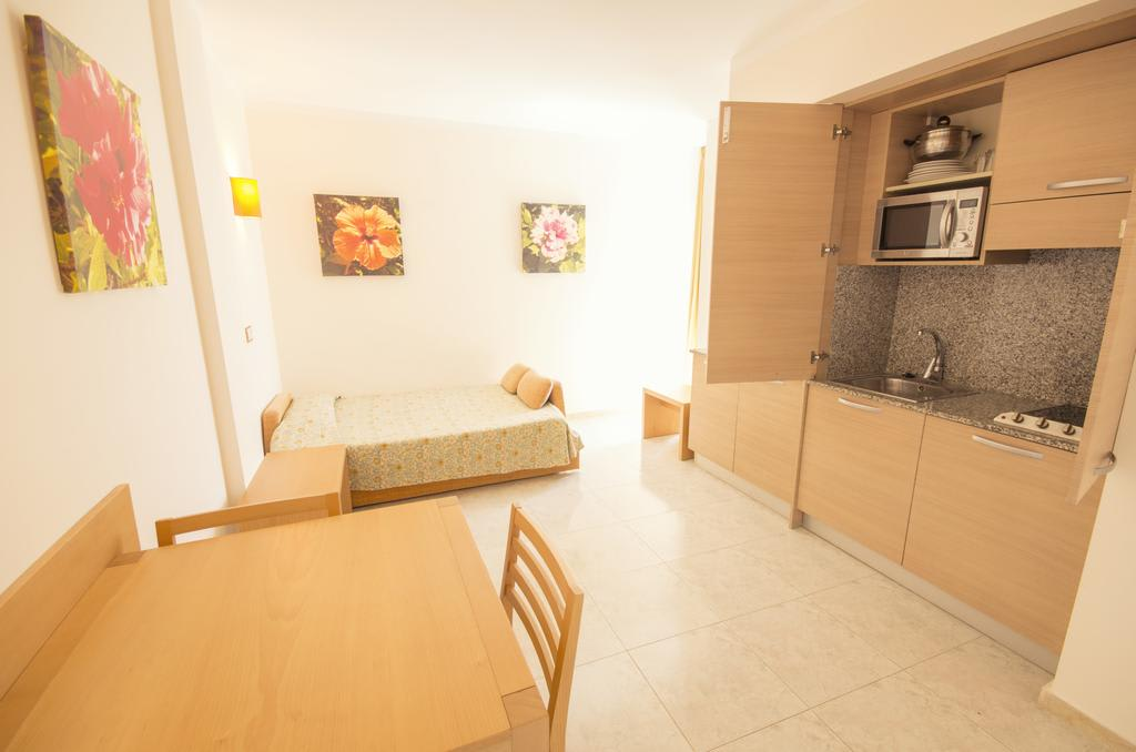 [STUDIO PROMO (2 ADULTS AND 2 CHILDREN)] Cheap quiet family apartment