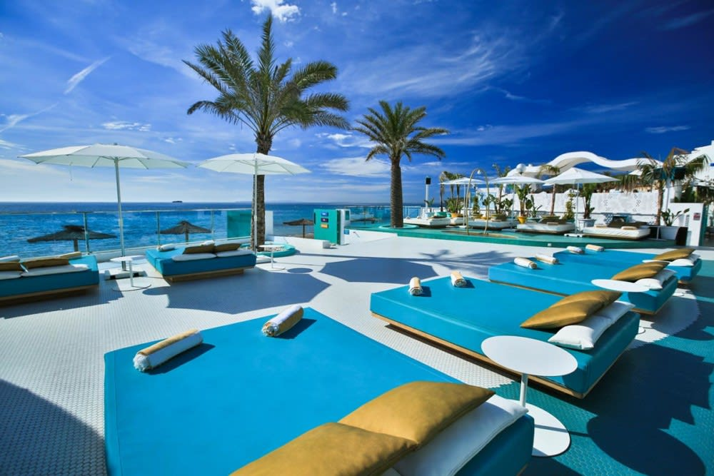 Exclusive luxury and stylish holiday accommodation in the top rated area, PLAYA DEN BOSSA – Property code: Ibsuidor