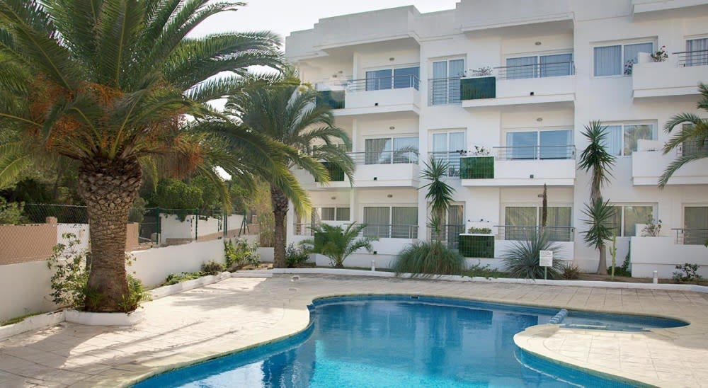 Spacious stylish holiday studios next to the beach, ES PUJOLS – Property code: Cstfor