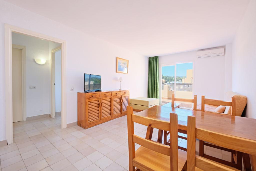 [1 BEDROOM APARTMENT 4 PAX] Cozy cheap apartment up to 4 guests with pool