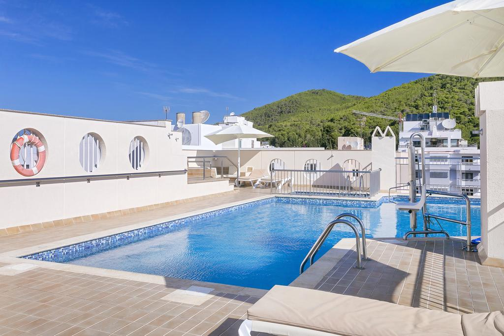 [SUITE 4 GUESTS] Bright holiday apartment with roof terrace pool