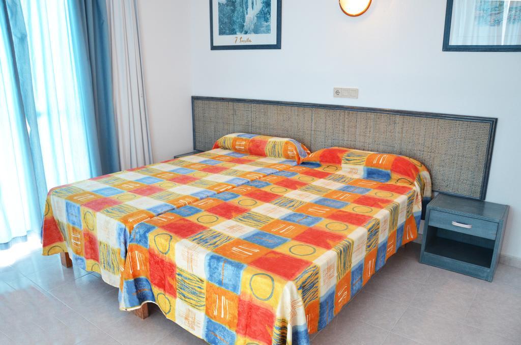 [BIG STUDIO APARTMENT SEA VIEW (2 ADULTS)] Quiet comfortable studio apartment