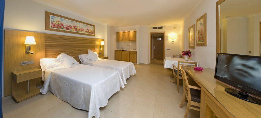 [STUDIO SUPERIOR 1 PAX] Luxury Playa den Bossa Ibiza Modern Holiday Studio Apartment