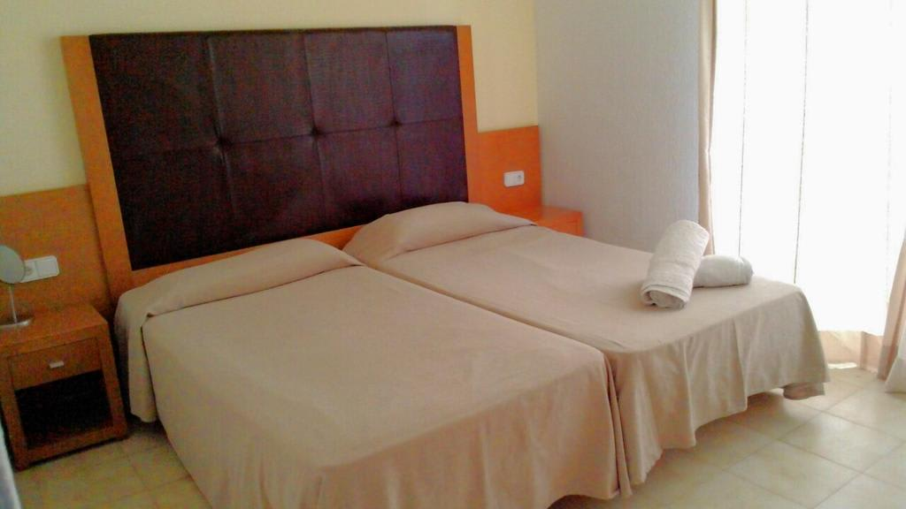 [1 BEDROOM APARTMENT (2 GUESTS) Cheap basic apartments with swimming pool
