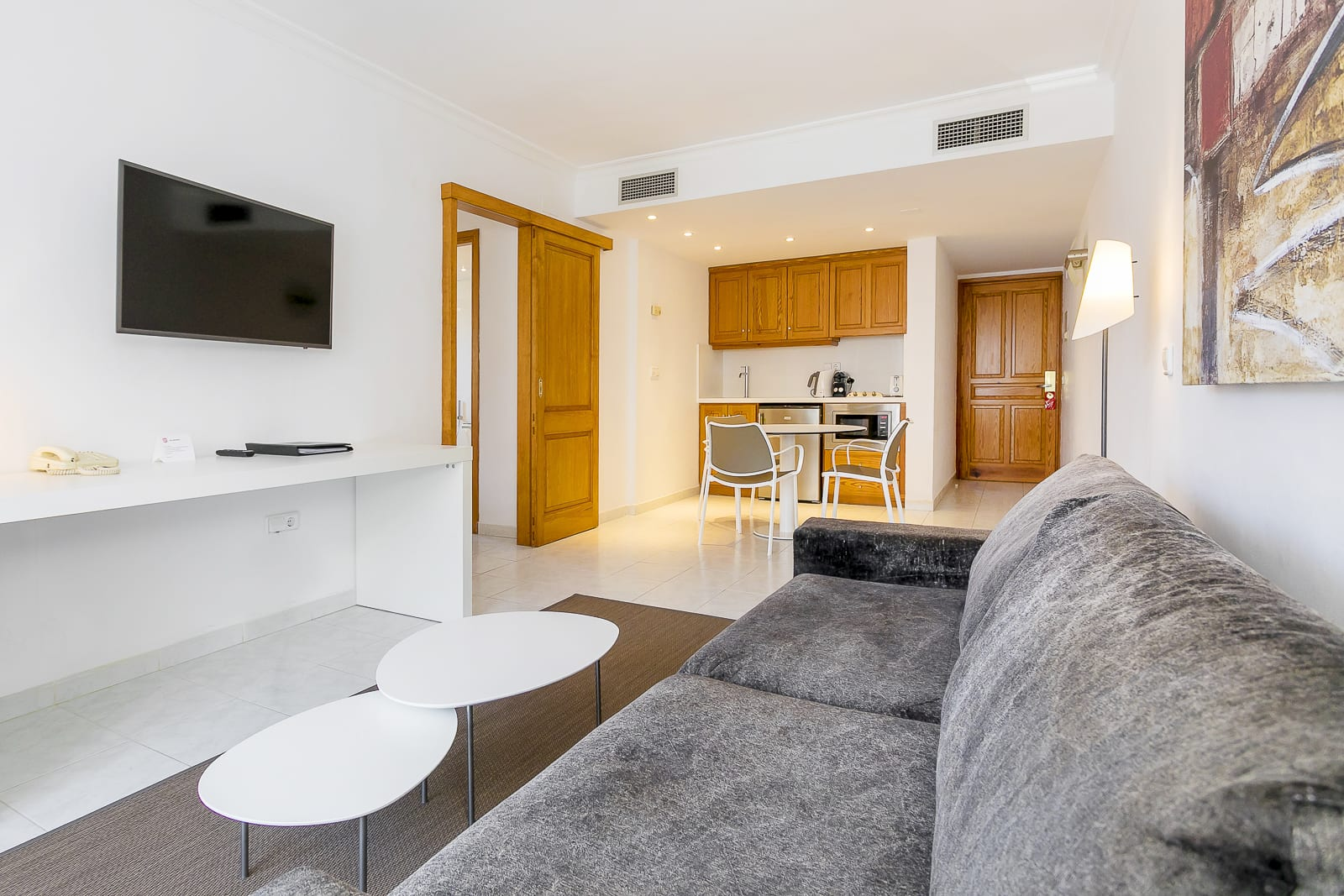 [SUITE 2 GUESTS] Bright holiday apartment with roof terrace pool