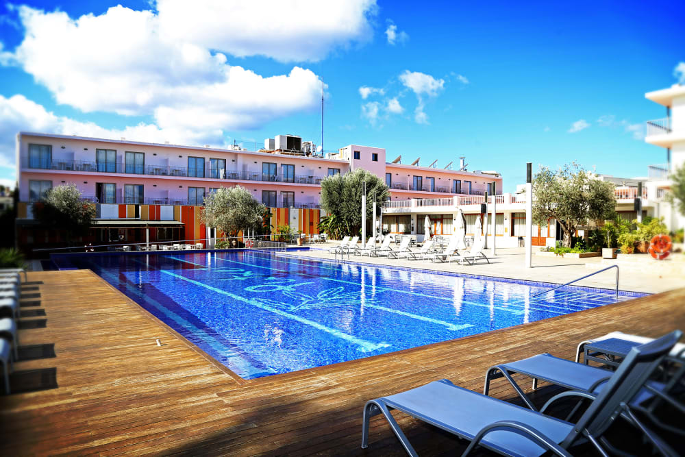 Modern renovated hotel rooms with pool and gym, SAN ANTONIO – Property Code: HTL-Pchtsan