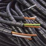 מאגד כבלים (לפלף) תעשייתי שחור - קוטר פנימי 12MM - גליל 25 מטר