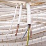 מאגד כבלים (לפלף) תעשייתי לבן - קוטר פנימי 12MM - גליל 25 מטר