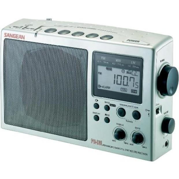 רדיו שולחני / נייד דיגיטלי בעיצוב קלאסי - SANGEAN PR-D3 SANGEAN