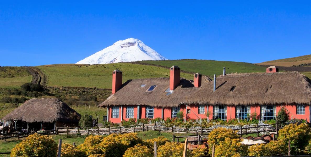 Tierra del Volcan Cotopaxi Ecuador undefined