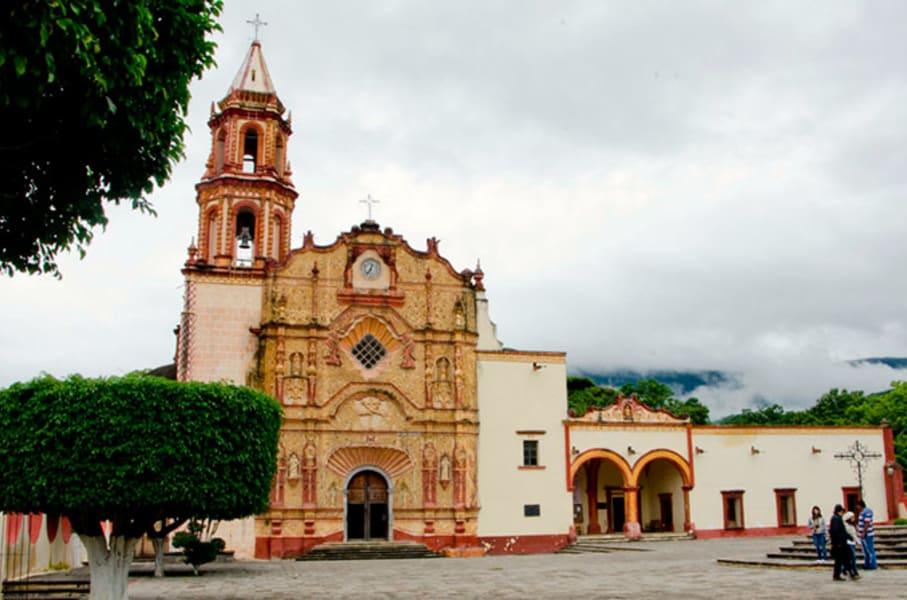 Sierra Gorda Ecotours Weekend Escape: Puente de Dios and Xilitla Jalpan de Serra Mexico Jalpan Mission