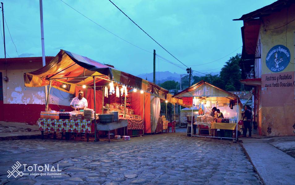 Totonal Viajes que Iluminan Citlaltepetl, the custodian of the Orizaba Valley Coscomatepec, Pico de Orizaba Mexico Historical center of Cosco