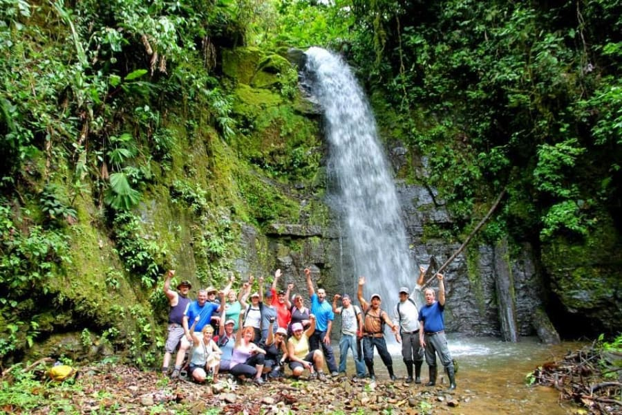 Simbiosis Tours Trek Ruta del Quetzal Los Quetzales Costa Rica null