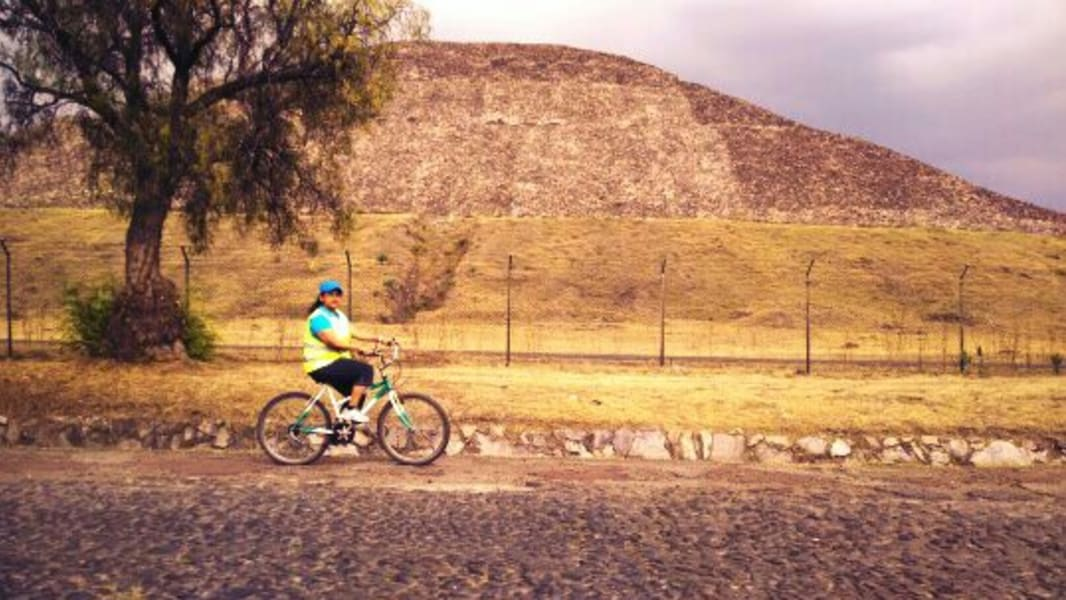 Teotihuacan en Bici Bike tour of Teotihuacan and Traditional Temazcal Experience Teotihuacan Mexico undefined