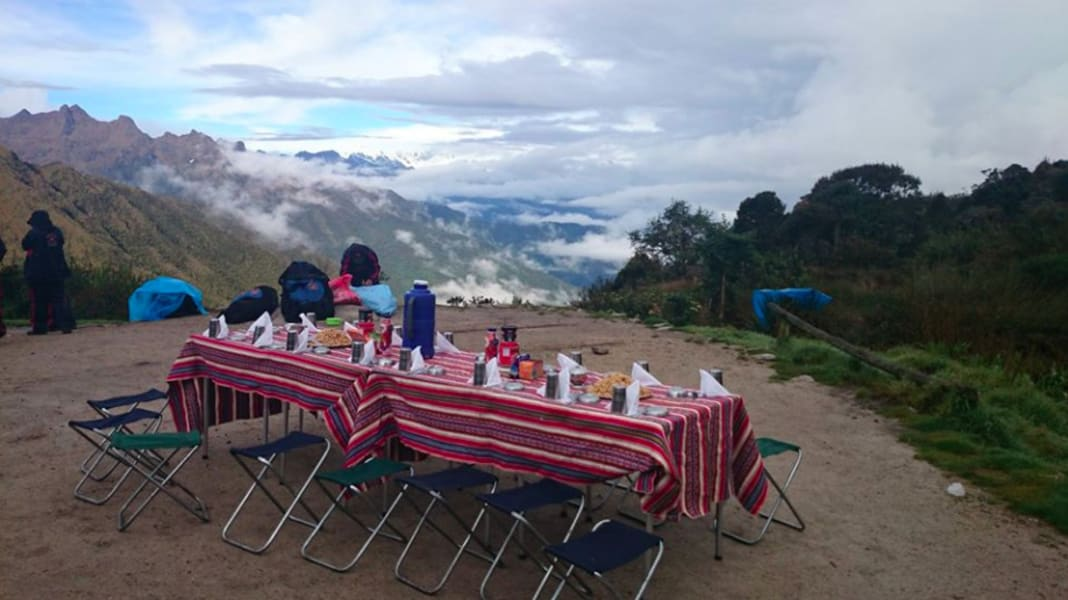 Quechuas Expeditions Cusco Peru Buffet style lunches made on the trail