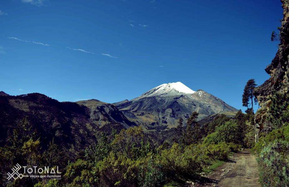 Totonal Viajes Citlaltepetl, the custodian of the Orizaba Valley Coscomatepec, Pico de Orizaba Mexico Walk to Orizaba