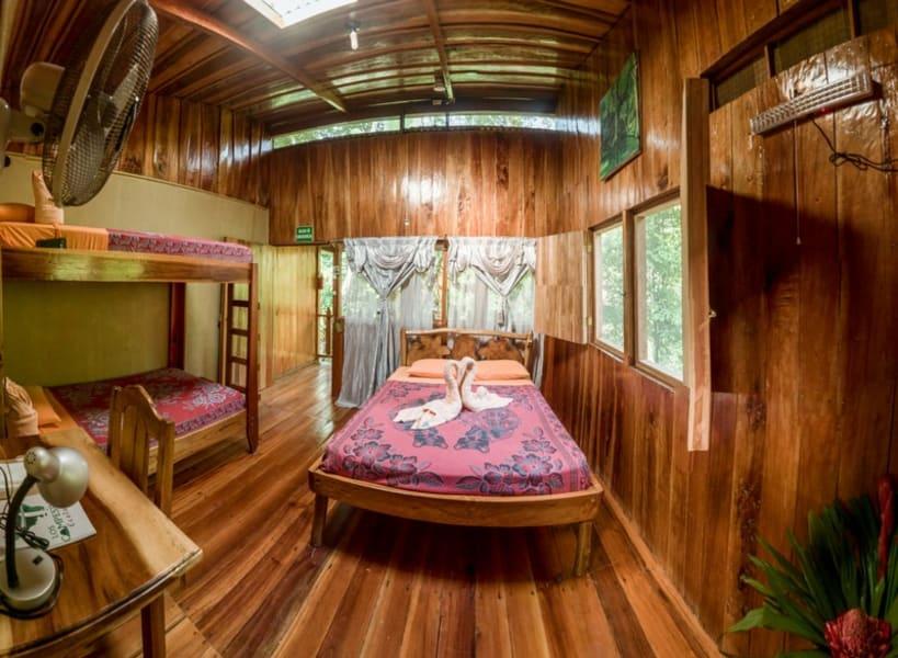 TRC Viajes Los Campesinos Reserve Rappelling and Hiking Adventure Quebrada Arroyo Costa Rica undefined