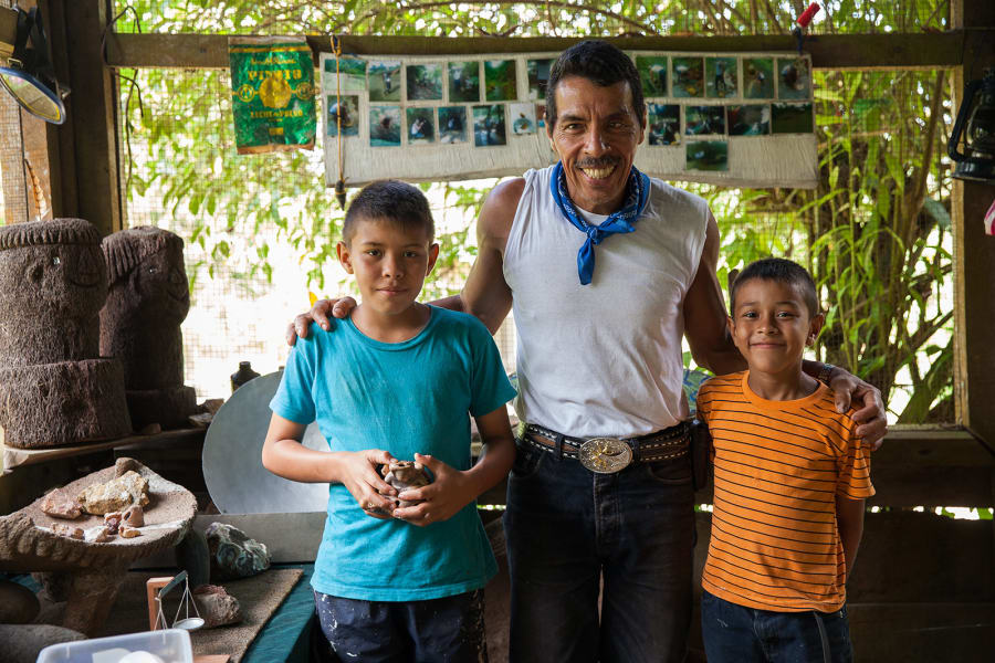 Lokal Adventures Jungle Yoga Adventure Los Planes Costa Rica Juan Cubillo with his children. Juan is the gold mining guide during our visit to the community of Rancho Quemado.