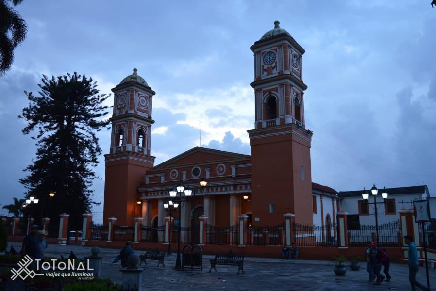 Totonal Viajes que Iluminan Citlaltepetl, the custodian of the Orizaba Valley Coscomatepec, Pico de Orizaba Mexico Catedral Coscomatepec