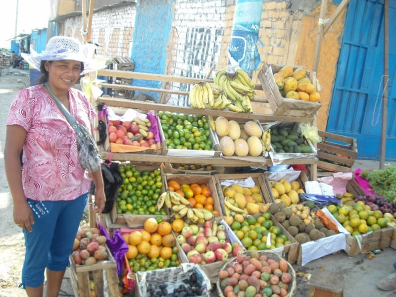 Haku Tours Lima  Peru Visit Sonia and her amazing fruit stand