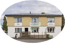 Vi holder til i Løken sentrum. Kontorer, butikk og verksted er samlet v/ ESSO stasjonen.