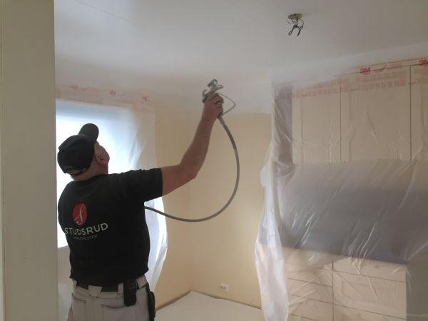 Malermester Studsrud Ørje tjenester sprøytemaling av tak