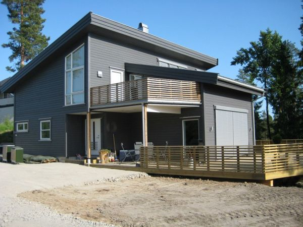 Nybygget Mesterhus Møyfrid satt opp i Trøgstad.