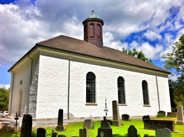 Studsrud Spydeberg kirke utvendig behandling