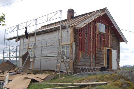 """Bilde av rehabilitering utvendig av """"Svelta"""" Solås, Øymark vest"""