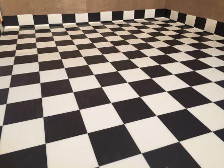 Malermester Studsrud Ørje referanse Strømsfoss Slusebolig gulvbelegg sjakk mønster