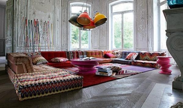 Interior Design Trends 2018 - Blinds, Floor Cushions