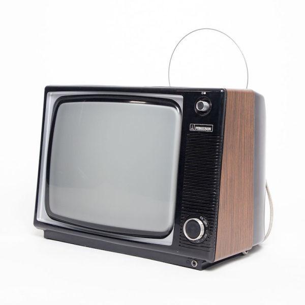 2: Fully working black & white 1970's Ferguson TV