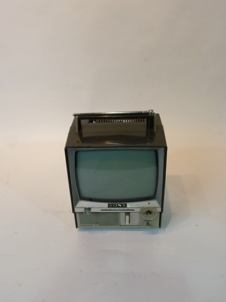 1: Retro Portable Mini 1980's Sony TV