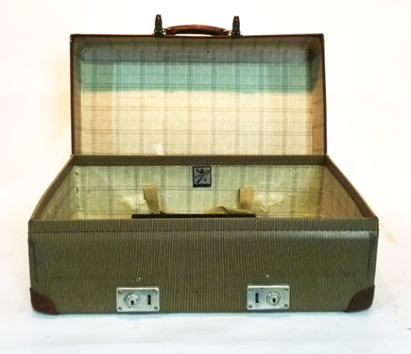 4: Beige Hard Shell Suitcase