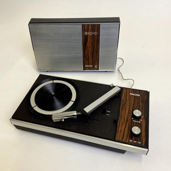 1: Retro Philips 300 mini portable record player
