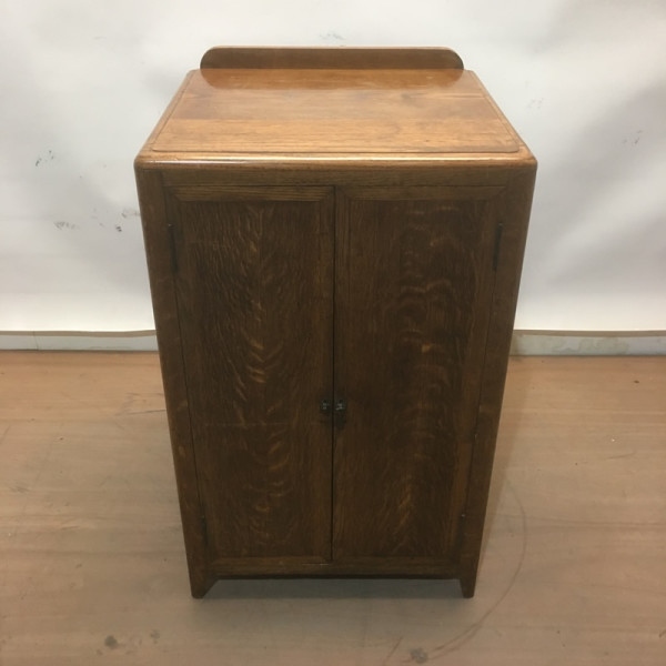 4: Oak plinth / cabinet