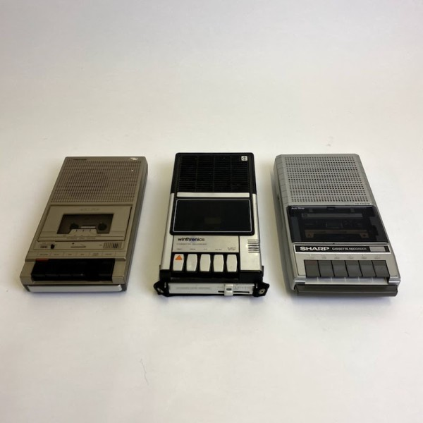 2: Winthronics cassette recorder - non working