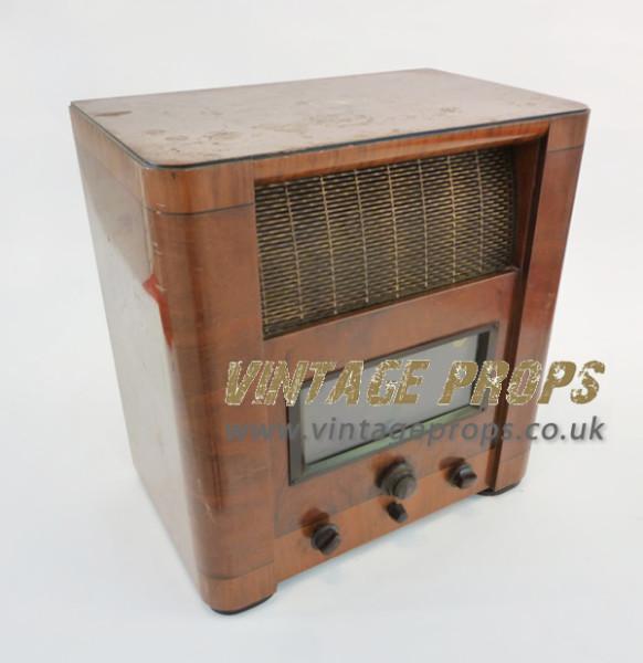 1: Vintage HMV Radio