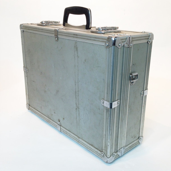 3: Metal Flight Case 2