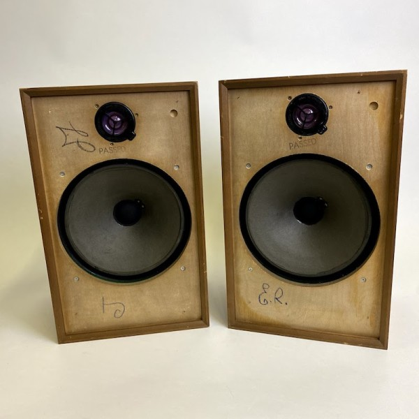 1: 2 fully working Wharfedale speakers